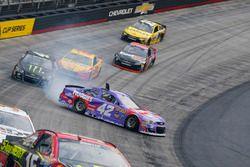 Kyle Larson, Chip Ganassi Racing Chevrolet in trouble