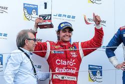 Пьетро Фиттипальди, Fortec Motorsports получает приз как лучший новичок гонки