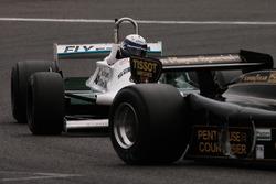 #11 Lotus 91/5 (1982): Gregory Thornton; #54 Williams FW07C (1981): Paolo Barilla