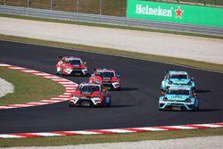 Stefano Comini, Volkswagen Golf GTI TCR, Leopard Racing; Jean-Karl Vernay Volkswagen Golf GTI TCR Le