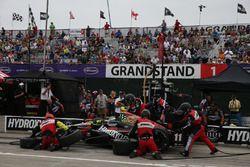 Sébastien Bourdais, KV Racing Technology Chevrolet aux stands