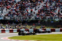 Jenson Button, McLaren MP4-31, Fernando Alonso, McLaren MP4-31