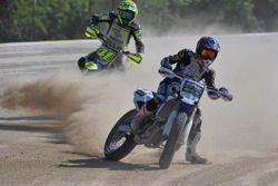 Valentino Rossi y los participantes del Yamaha VR46 Master Camp