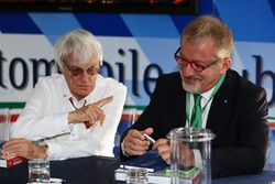Bernie Ecclestone con Roberto Maroni en Monza
