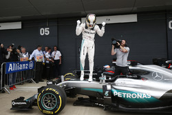 Lewis Hamilton, Mercedes AMG F1 celebrate his pole position