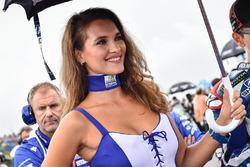 La charmante Grid Girl de Jorge Lorenzo, Yamaha Factory Racing
