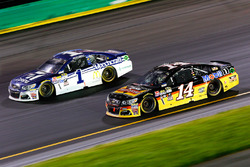 Tony Stewart, Stewart-Haas Racing, Jamie McMurray, Chip Ganassi Racing Chevrolet