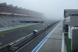 Mist before the qualifying session