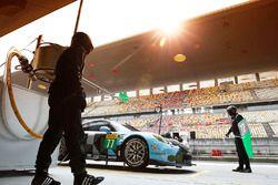 #77 Dempsey Proton Competition, Porsche 911 RSR: Richard Lietz, Michael Christensen