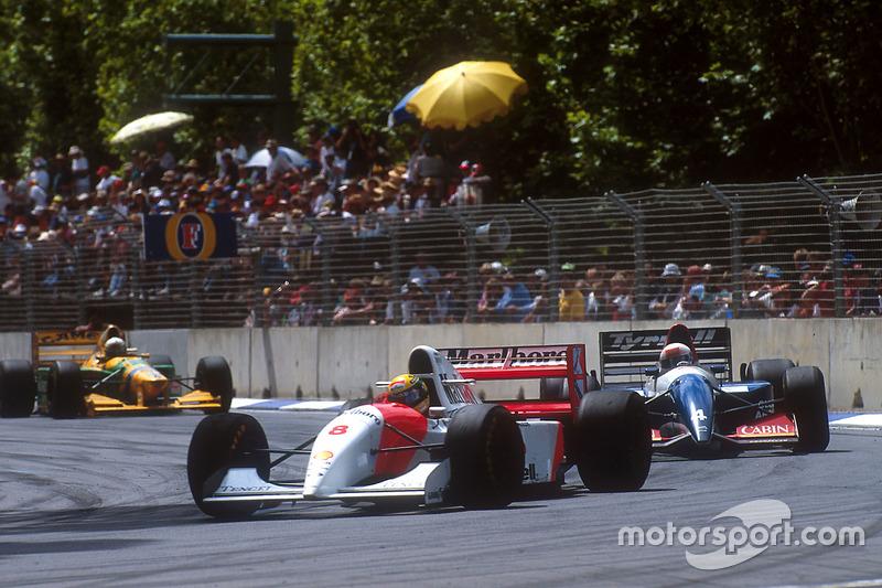 Ayrton Senna, McLaren MP y Andrea de Cesaris, Tyrrell