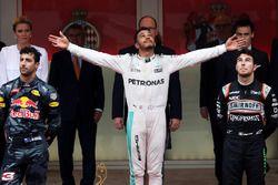 Lewis Hamilton, Mercedes AMG F1, Daniel Ricciardo, Red Bull Racing ve Sergio Perez, Force India