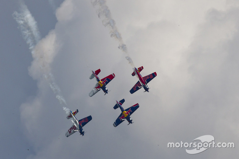 Airshow Flying Bulls