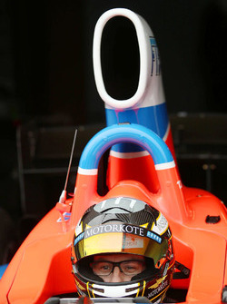 Tim Macrow test de Formula Thunder 5000