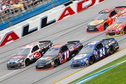 Austin Dillon, Richard Childress Racing Chevrolet, Denny Hamlin, Joe Gibbs Racing Toyota, und Chase