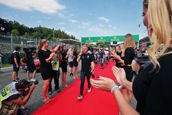 Kevin Magnussen, Renault Sport F1 Team en el desfile de pilotos