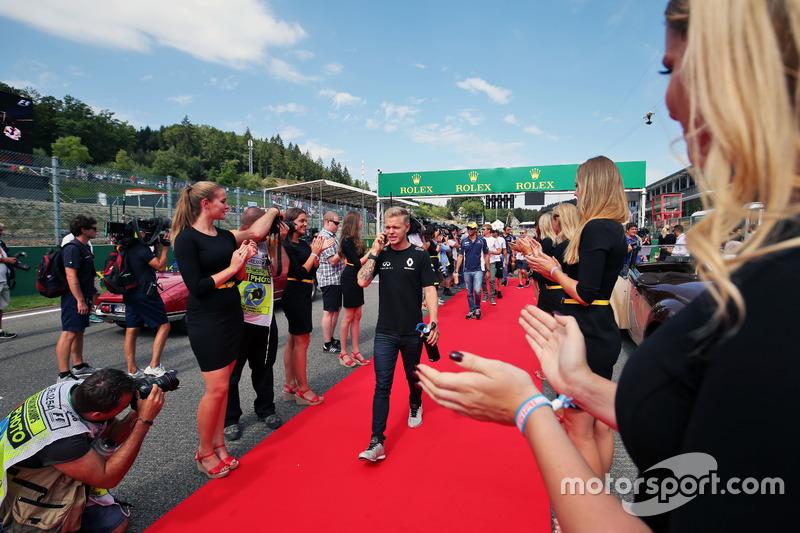 Kevin Magnussen, Renault Sport F1 Team nella sfilata dei piloti