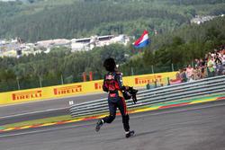 Carlos Sainz Jr., Scuderia Toro Rosso si ritira dalla gara