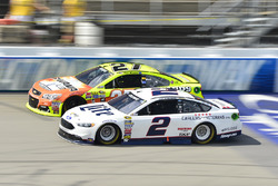 Brad Keselowski, Team Penske, Ford; Paul Menard, Richard Childress Racing, Chevrolet