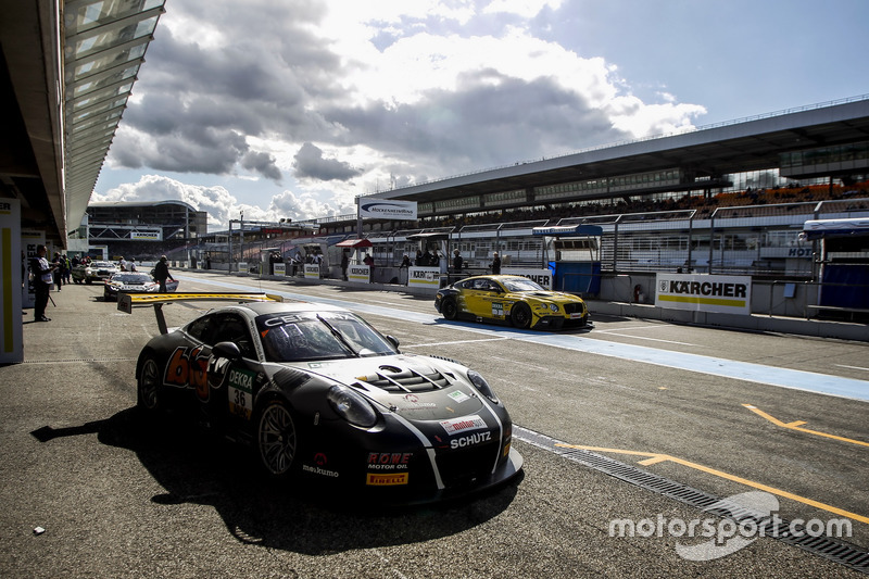 Boxenstopp #36 bigFM Racing Team Schütz Motorsport, Porsche 911 GT3 R: Marvin Dienst, Christopher Za