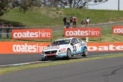 Scott McLaughlin y David Wall, Garry Rogers Motorsport Volvo