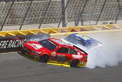 Alex Bowman, Hendrick Motorsports Chevrolet, Casey Mears, Germain Racing Chevrolet, crash