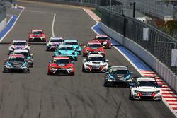 Acción en el inicio, Mikhail Grachev, West Coast Racing, Honda Civic TCR leads