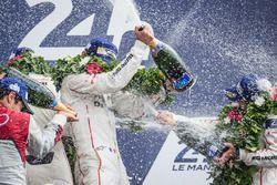 Podio de LMP1: celebraciones champagne