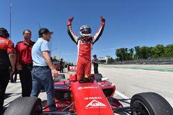 Pole pozisyonu: Zach Veach, Belardi Auto Racing