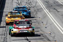 Mehdi Bennani, Sébastien Loeb Racing, Citroën C-Elysée WTCC; Nicky Catsburg, LADA Sport Rosneft, Lad