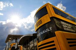 Le motorhome Renault Sport F1 Team