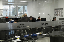 Oficina en el taller de la Escudería Toro Rosso