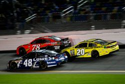 Jimmie Johnson, Hendrick Motorsports Chevrolet; Martin Truex Jr., Furniture Row Racing Toyota; Matt