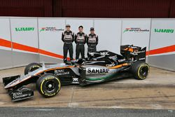 Sergio Perez, Sahara Force India F1; Alfonso Celis Jr., Sahara Force India F1 und Nico Hulkenberg, S