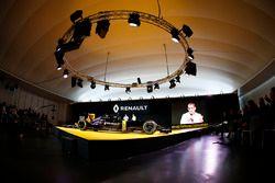 Cyril Abiteboul, a Renault Sport F1 ügyvezetője, Renault Sport Formula One Team RS16 Launch