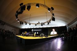 Cyril Abiteboul, directeur de Renault Sport F1, pendant la présentation de la Renault R.S.16