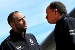 Cyril Abiteboul, Renault Sport F1 Team und Frederic Vasseur, Renault Sport F1 Team Renndirektor