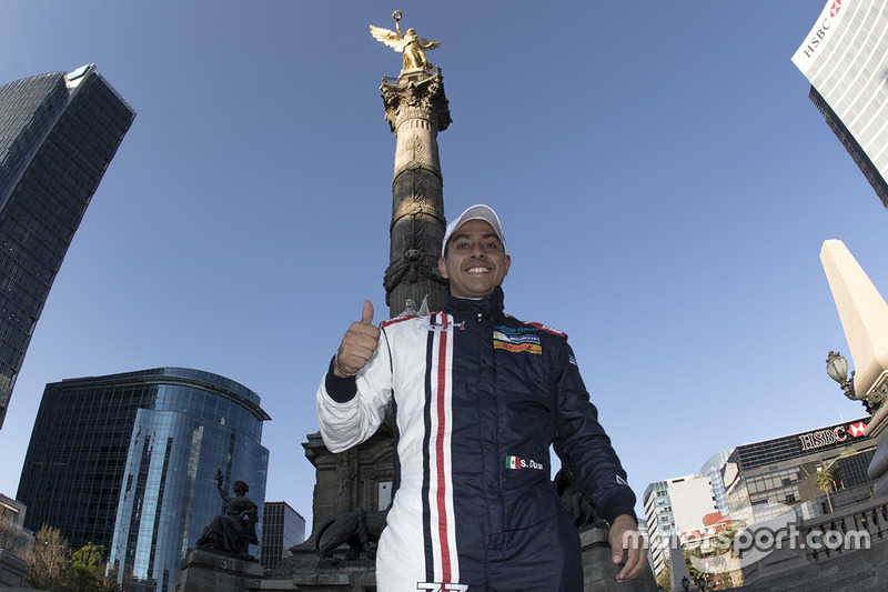 Salvador Duran, Team Aguri en el Ángel de la Independencia en la Ciudad de México