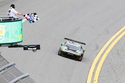 #44 Magnus Racing Audi R8 LMS: John Potter, Andy Lally, Marco Seefried, René Rast takes the GTD win