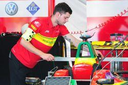Teammitglieder von ABT Schaeffler Audi Sport