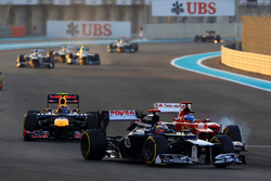 Pastor Maldonado, Williams Renault FW34, Fernando Alonso, Ferrari F2012 y Mark Webber, Red Bull Raci