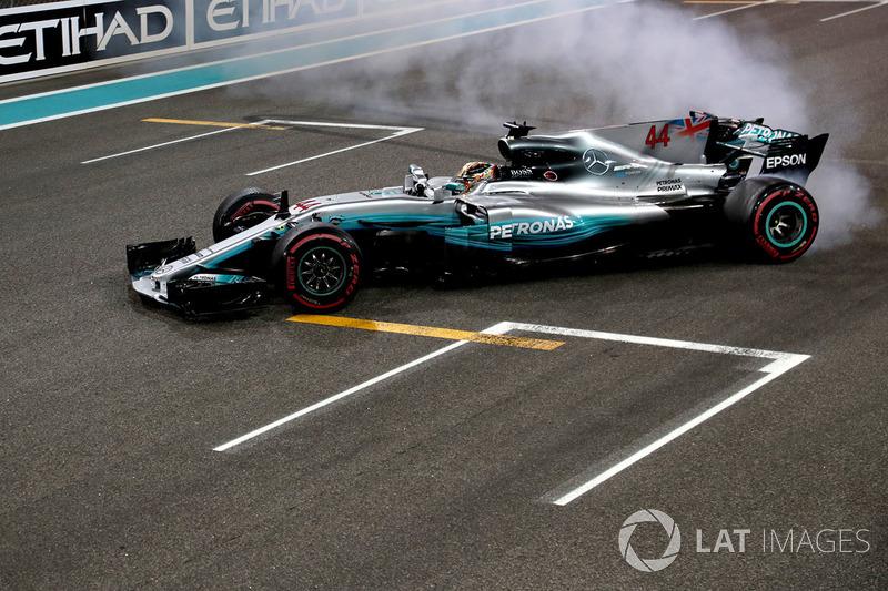 2017: Juara dunia, Lewis Hamilton, Mercedes AMG F1 W08 Hybrid