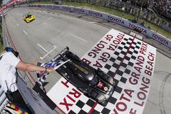 #5 Action Express Racing Cadillac DPi, P: Joao Barbosa, Filipe Albuquerque takes the win