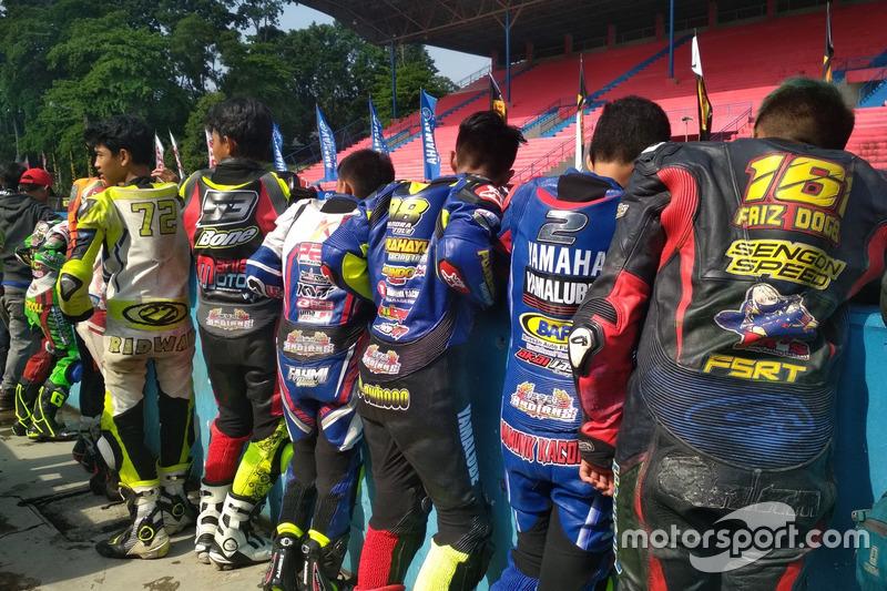 Para pembalap Yamaha Sunday Race