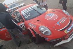 Porsche 911 GT3 Cup di Gianmarco Quaresmini, Dinamic Motorsport, dopo l'incidente in finale