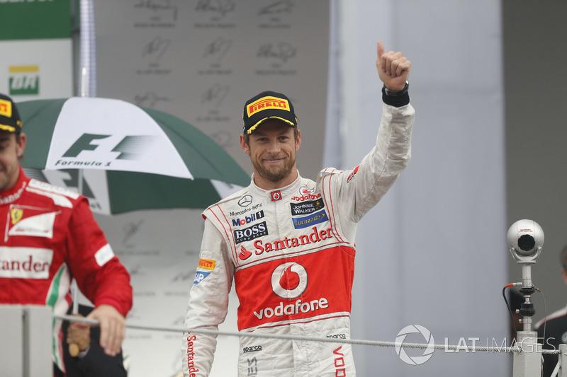 Participações especiais: Jenson Button e Nigel Mansell