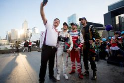 Alex Tai, director DS Virgin Racing, Sam Bird, DS Virgin Racing, Nick Heidfeld, Mahindra Racing, Jea