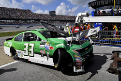 Auto von Jeffrey Earnhardt, Circle Sport - The Motorsports Group Chevrolet, nach Crash