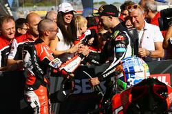 Marco Melandri, Ducati Team, Jonathan Rea, Kawasaki Racing dans le Parc Fermé