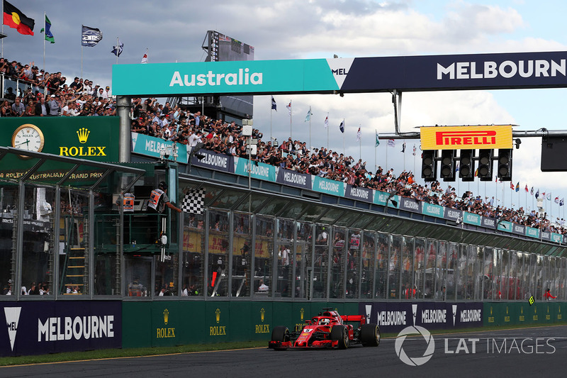 Vettel en Ferrari vieren de overwinning