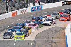 Noah Gragson, Kyle Busch Motorsports Toyota, Matt Crafton, ThorSport Racing Toyota